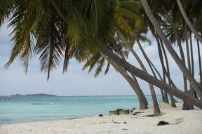 Maafushi-beach-area
