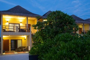 casa-mia-bungalow-evening