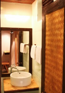 yrf6-Bathroom 2 (492x700)